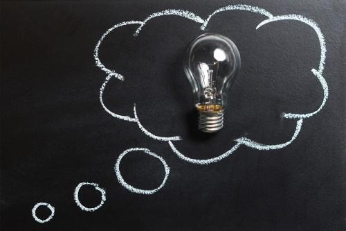 Mindmappen is een efficiënte methode voor het schrijven van samenvattingen en scripties. Je brengt een goede scriptiestructuur aan en creëert meteen focus. Het is leuk om te gaan mindmappen omdat je veel efficiënter werkt en het kost bijna niets, behalve je eigen creativiteit!