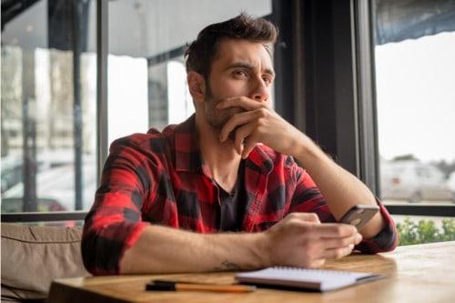 Heb jij gedurende je afstudeerproces en het schrijven van je scriptie soms moeite om je te concentreren? Concentratieproblemen komen bij veel studenten voor.